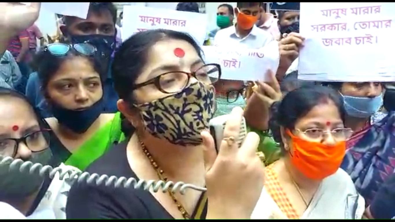 Locket-Chatterjee-strongly-attacks-the-West-Bengal-state-government-Mamata-Banerjee-CM-protest-against-the-death-of-BJP-member-Madan-Ghorai-inside-police-custody-bengali-news-Sangbad-Bhaskar