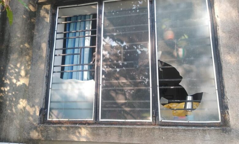 house-under-attack-by-TMC-members-due-to-facebook-post-in-diamond-harbour-bidhansabha