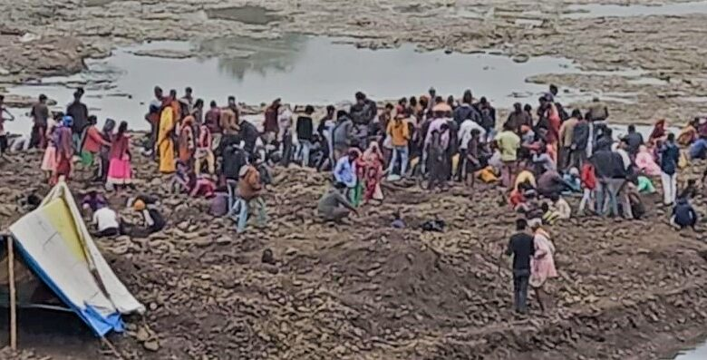 Gold-found-in-one-of-the-rivers-in-Madhya-Pradesh
