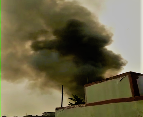 Fire-broke-out-in-one-of-the-warehouse-in-Kolkata